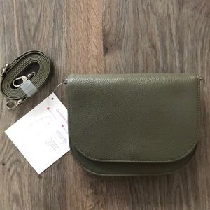 Thirty-One Convertible Belt Bag Olive Pebb…